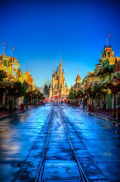 I love it when it rains in Disney World :)