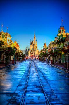 I love it when it rains in Disney World :)