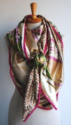 Eén grote unieke sjaal gemaakt van vier kleine! Wij willen jou blij maken met onze sjaals en van My Favourite Four ook jouw Favourite Four maken!