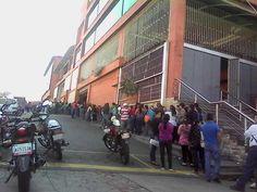 Enlace permanente de imagen incrustada  noticias venezuela @notiven  ·  21 min Hace 21 minutos  RT: @leoperiodista :Desde temprano los merideños haciendo cola en el YUAN LIN para adquirir azúcar y harina pan