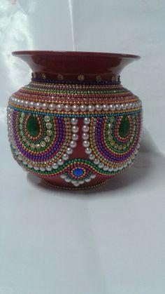 Arti Thali Decoration, Kalash Decoration, Wedding Dance Video, Indian Wedding Gifts, Acrylic Rangoli, Saree Kuchu Designs, Kids Dress Patterns, Gold Wedding Decorations, Flower Phone Wallpaper