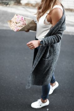 Fashion blogger Lisa Hamilton from See Want Shop wearing a Fossil Q smartwatch & Acne knit cardigan