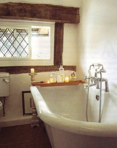 Beautiful exposed beams around the window - Cottage Bathroom . Beautiful exposed beams around the window - Cottage Interiors, Cottage Homes, Cottage Windows, Bathroom Styling, Beautiful Bathrooms, Bathroom Inspiration, Ideal Home, Decoration, House Design