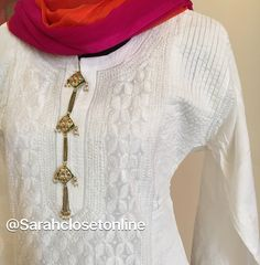 White chikankari kurta with kundan buttons Indian Designer Suits, Indian Suits, Indian Attire, Indian Wear, Neck Designs For Suits, Dress Neck Designs, Blouse Designs, Neckline Designs, Churidar Designs