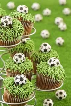 Great sports birthday ideas for girls! These soccer cupcakes are fabulous for a little sports star.