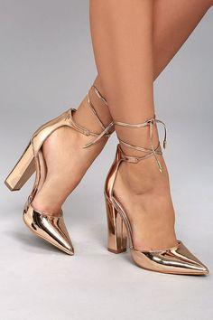 6d66863e Zapatos metálicos: look glamoroso y de moda. Zapatos Dorados TaconTacones  ...
