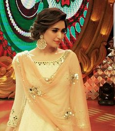 WEBSTA @ indianstreetfashion - Slaying the traditional look Karishma Tanna rocks an Abhinav Mishra outfit with classic chandballis we ❤ the entire look Side Bun Hairstyles, Trendy Hairstyles, Modern Haircuts, Updo Hairstyle, Hairdos, Pakistani Dresses, Indian Dresses, Look Short, Indian Wedding Hairstyles