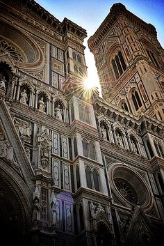 Il Duomo in the morning - Florence, Italy. I've taken almost this same picture - except without the sun.  (if only) Such a beautiful place!