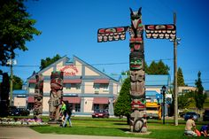 Get my 7 FREE basic photography tips - you NEED to know right here; http://pw5383.wixsite.com/free-photo-tips | Photographer Pernille Westh | Duncan, Vancouver Island, Canada well known for a lot of totem poles