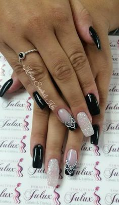 Unhas Cor Preta   #Decoração Aycrlic Nails, Love Nails, Manicure And Pedicure, Pretty Nails, Hair And Nails, Ongles Bling Bling, Pearl Nails, Nagel Gel, Easy Nail Art