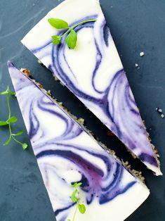 valkosuklaa-mustikka-kakku