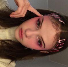 Imagem de girl, grunge, and makeup Kawaii Makeup, Cute Makeup, Pretty Makeup, Awesome Makeup, Make Up Looks, Aesthetic Hair, Aesthetic Makeup, Autumn Aesthetic, Blush Makeup