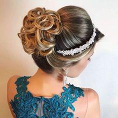 53 Ideas Bridal Hairstyles Updo Tutorial Up Dos Bridal Hairstyle Indian Wedding, Pakistani Bridal Makeup, Bridal Hair Updo, Simple Bridal Shower, Bridal Shower Rustic, Mermaid Bridal Showers, Wedding Makeover, Bridal Makeup Looks, Bridal Beauty