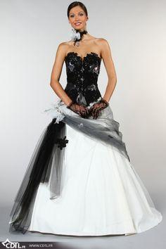 Robes de mariée en couleurs noir et blanc