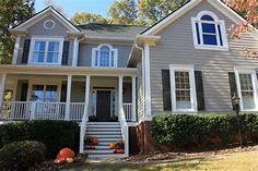 Best exterior paint colors for house greige gray ideas House Exterior Color Schemes, Exterior Gray Paint, White Exterior Houses, Exterior Paint Colors For House, Paint Colors For Home, Exterior Colors, Exterior Design, Stucco Colors, Siding Colors