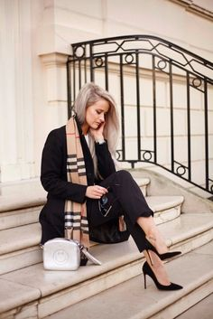 10 Steps for Success - In The Frow //Shop the outfits of top fashion bloggers at www.stiler.com