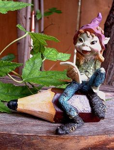 Anthony Fisher Pixie Sitting on a Pencil – johnnyappleseedhomeandyard