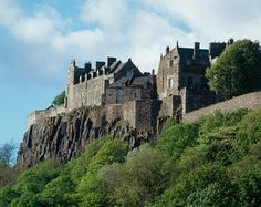 Stirling Castle - first recorded castle at Stirling in 1107 during reign of Alexander I - strategic position in centre of Scotland - centre of art, culture and celebrity in the 16th century