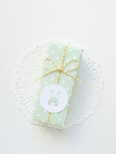 Free Printable Easter Wrapping Paper