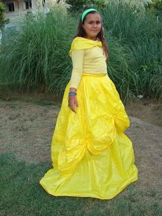 Disfraz de Bella hecho con bolsas