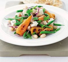 Roast carrot & bean salad with feta: Get all of your with this super healthy salad. Tasty, easy and perfect for lunch leftovers Bbc Good Food Recipes, Veggie Recipes, Salad Recipes, Vegetarian Recipes, Healthy Recipes, Superfood Recipes, Diet Recipes, Roasted Carrot Salad, Roasted Carrots