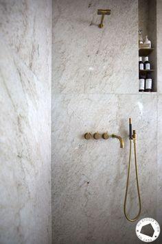 Diy Bathroom Decor, Bathroom Colors, Bathroom Styling, Bathroom Interior Design, Small Bathroom, Remodled Bathrooms, Colorful Bathroom, Bathroom Trends, Interior Livingroom