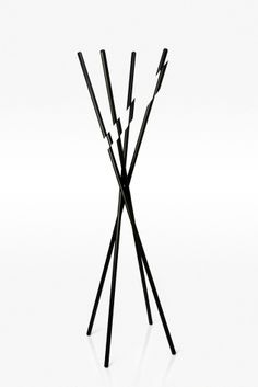 'Modified' coat hanger – black and minimal | homeware . Haushalt . ménage | Design: Taewoo Kim |