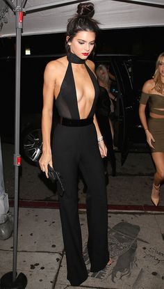 Kendall Jenner Wore a Sheer Jumpsuit at Her Birthday Party Kendall Jenner wears a sheer black Sergio Hudson jumpsuit. Le Style Du Jenner, Kendall Jenner Estilo, Kendall Jenner Jumpsuit, Looks Style, My Style, Looks Party, Look Fashion, Womens Fashion, Black Outfits