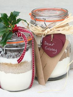 Present idea - cookie in a jar http://www.pipii.co.uk/pipii-notebook/craft-ideas/cookie-mix-in-a-jar.html