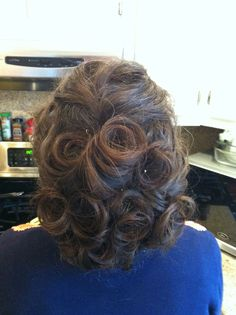 updo by Kimberly Valosen