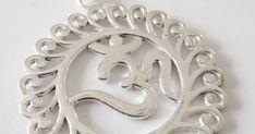 Indischer Ohrring mit dem Om-zeichen. Om, Mirror, Green, Design, Indian, Indian Earrings, Silver, Handarbeit, Mirrors