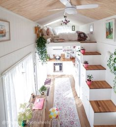 48 Best Tiny House Design Ideas - Trend Home Tiny House Loft, Best Tiny House, Tiny House Living, Tiny House Plans, Tiny House On Wheels, Small Living, Home Design, Tiny House Design, Design Ideas