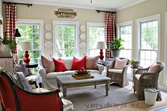 Charming Home Tour ~ Savvy Southern Style – Town & Country Living - mismatched living room furniture Southern Country Homes, Savvy Southern Style, Country Style Homes, Southern Women, Southern Belle, Cottage Living, My Living Room, Living Room Decor, Country Living