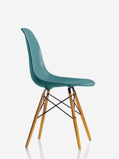 Vitra I Eames Plastic Side Chair DSW