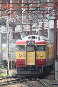 Kuha411 319 411 319 rails pinterest locomotive light rail 115n331143m mozeypictures Choice Image