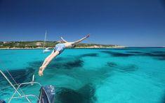 Luxe Zeilvakantie en Meezeil Cruise Sardinie en Corsica. Www.yachtboutique.eu Gulet Zeilvakantie in Italie en Frankrijk. Luxe bootvakantie in de Middelandse zee. Middelandse zee Bootvakantie met Bemanning. Sardinie boot en Jacht vakantie Italie. Luxe zeilen in de Middelandse zee met Gulet Victoria of Yacht Boutique. Gulet Vakantie Cruise.