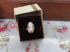 Vintage 10k Yellow Gold Cameo Ring  US by FergusonsFineJewelry, $255.00  #jewelry #cameo #ring #vintage