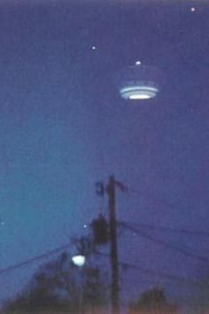 """This photo shows one of the infamous """"Gulf Breeze"""" UFO's that were so prevalent in the 80's. The problem is that they were probably all faked."""