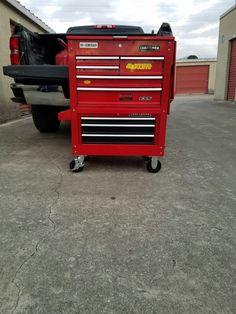 Garage Tool Storage, Garage Tools, Garage Ideas, Tool Box On Wheels, Metal Tool Box, Mechanic Tool Box, Mechanic Garage, Us General Tool Box, Toolbox Ideas