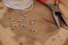 Κούμπωμα Καρδιά Ασημένια 10mm 50τεμ. MI1609-S  Μεταλλική καρδιά κούμπωμα σε χρώμα ασημί.Μέγεθος: 10mmΗ συσκευασία περιέχει 50 τεμάχια.