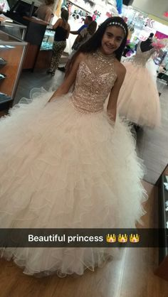Vestidos quinceañera Dama Dresses, Quince Dresses, Prom Dresses, Chiffon Dresses, Bridesmaid Gowns, Long Dresses, Formal Dresses, Sweet 16 Dresses, Pretty Dresses