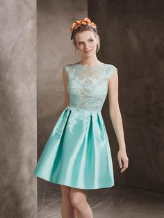 Short cocktail dress in mikado with bateau neckline in lace