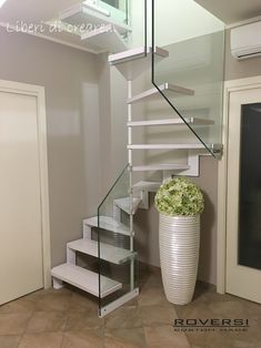 Scale a chiocciola - Roversi Scale Custom Made Home Stairs Design, Home Building Design, Interior Stairs, Home Design Plans, Small Space Staircase, Loft Staircase, Spiral Staircases, Modern Interior Design, Interior Design Living Room