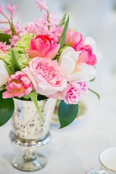 Spring blooms: http://www.stylemepretty.com/living/2015/03/23/french-tea-inspired-surprise-baby-shower/ | Photography: Simply Sweet - http://www.simplysweetphotographybynomoakisawa.com/