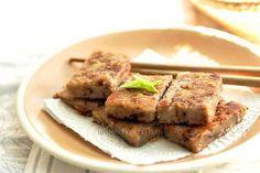 Steamed Chinese Taro aka Yam Cake (Wu Tao Gao  芋頭糕) Popular during the Chinese New Year (symbolizes prosperity….)