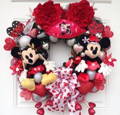 Cupid Mickey Mouse with Minnie Valentine Wreath