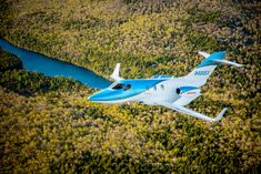 Honda Aircraft has started delivering the upgraded HondaJet Elite. Small Private Jets, Honda Jet, Fly Plane, Car Manufacturers, Military Aircraft, Exterior, Celestial, Business, Vehicles