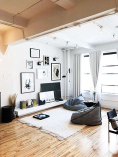 This Cool-Girl Apartment Is Shoppable (and We Want It All) - Esszimmer Ideen Living Room Without Sofa, Bean Bag Living Room, Living Room Sofa, Home Living Room, Living Room Decor, Living Room Seating Ideas Without Sofa, Girls Apartment, Apartment Living, Home Room Design
