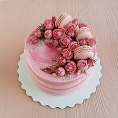decoration techniques chocolate recipe icing cake Chocolate Cake Decoration Recipe Cake Icing TechniquesYou can find icing techniques and more on our website Pretty Cakes, Cute Cakes, Beautiful Cakes, Yummy Cakes, Amazing Cakes, Bolo Macaron, Cake Icing Techniques, Bolo Cake, Valentines Day Desserts