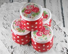 Mason jars - set of four - shabby - romantic - vintage - cottage - Cath Kidston style - red polka dots Red Mason Jars, Shabby Chic Decor, Etsy Vintage, Decoupage, Enamel Ware, Romantic, Etsy Shop, Cath Kidston, Tins